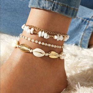 NEW 🌸 4 Piece Shell Ankle Bracelet Set